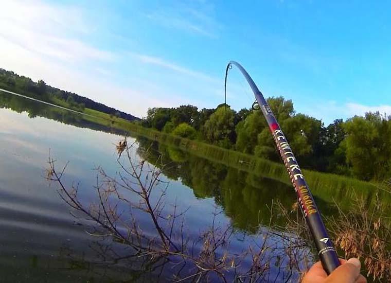 рыбалка на поплавочную удочку