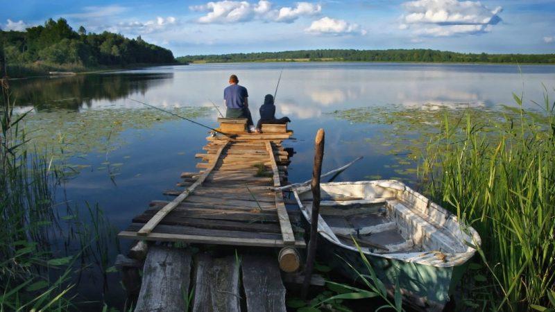 Лодка и рыбаки