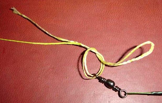 как привязать кольцо к плетенке
