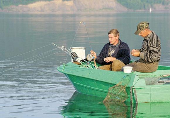 Рыбаки на лодке